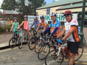 TAKE IN THE RIVER SCENERY BY BIKE AT MANNUM